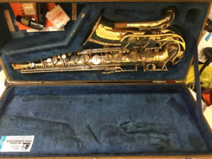 Yamaha YAS -21 Vintage Sax - Needs servicing with Case