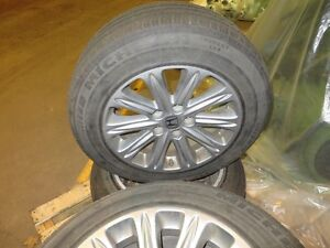 Original Honda Odyssey Rims and Tires - Flat Free Technology Cambridge Kitchener Area image 2