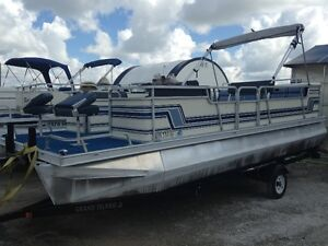 21ft pontoon, motor trailer. CHEAP!