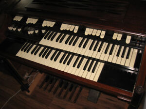 Hammond M101 with Leslie 110