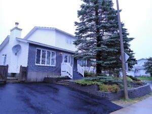 165 HIGHLAND Drive - OPEN HOUSE 2-4 PM OCT 15