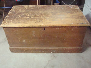 Large Antique Pine Wooden Blanket Box / Trunk
