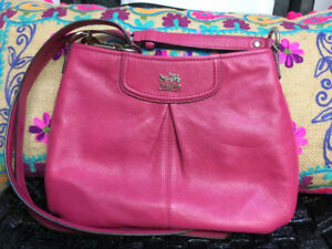 AUTHENTIC COACH cross body leather bag