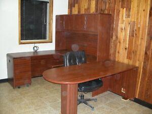 Office Desk/Furniture