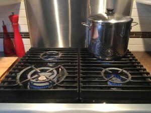 Cuisiniere au gaz avec four a convection  de marque KitchenAid
