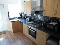 One Double En-Suite Room Left! Rossington! Direct Access to M18!