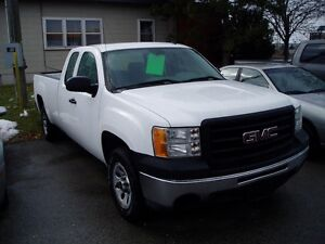 2013 GMC SIERRA SILVERADO X CAB 5.3V8 TOWING PACKAGE 8 FT BOX!