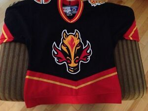 NHL youth calgary flames jersey