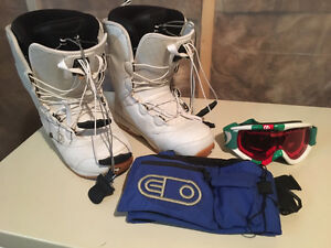 LIKE NEW -- Ride Snowboard / Ride Bindings / Boots / Goggles