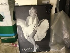 Large Marilyn Munro picture