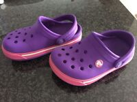 Toddler girls cross from Costco size 6/7 perfect like new
