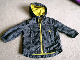 Boys raincoat 9-12 months