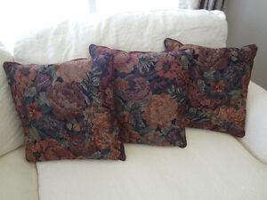 3 Accent Cushions for sale Oakville / Halton Region Toronto (GTA) image 1