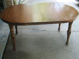 Kroelher solid wood table and 4 chairs