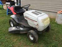 White lawn tractor 1998
