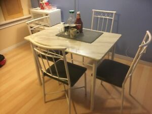 Repost: Dinning Set for Sale ( 4 Chair and 1 Table)-