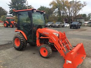 KUBOTA B3350 CABBED TRACTOR AND LOADER FOR SALE!!