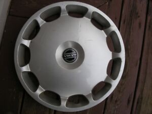 "16"" Volvo Wheel Covers"