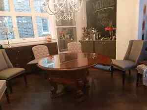 "72""round dining table with glass top. Oakville / Halton Region Toronto (GTA) image 6"
