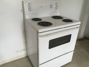 Electric stove for sale works great London Ontario image 1