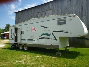 2004 JAYCO EAGLE FIFTH-WHEEL--REDUCED TO SELL  !!!