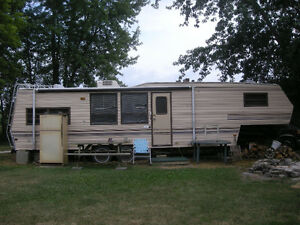 Trailer 4 Sale on Pelee Island