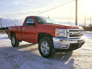 2012 Chevrolet Silverado 1500 LT LOW KILOMETERS