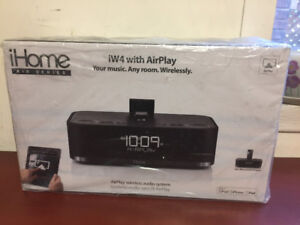 iHome iD84BZ 30 pin App-Enhanced Dual Alarm Clock Radio for iPad