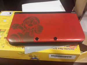 Mario edition 3DS XL like new COMPLETE in box
