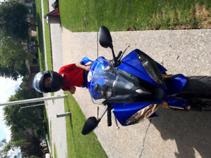 2010 R6 for sale 1600 kmh like new