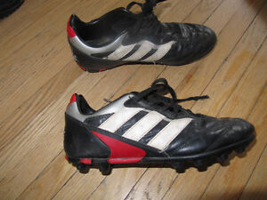 Soccer cleats, youth size 4