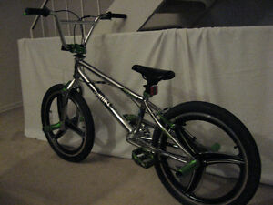 ********  BMX INSTINCT  FREESTYLE ********