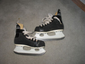CCM  101 Rapid skate size 237 mm or 9.33 inches