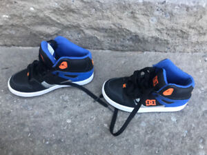 Boys size 2 running shoes