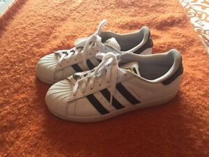 Adidas Stan-Smith shoes