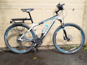 2014 Trek SuperFly, carbon fibre Gary Fisher edition