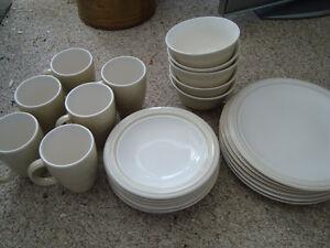 Phaltzgraff Stoneware Dinner Set