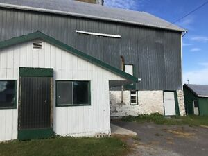 Barn with two horse stalls for rent