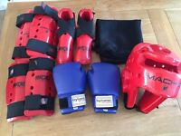 MARTIAL ARTS PROTECTIVE SPARRING KIT