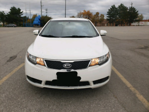 2012 Kia forte ex very low kms !!