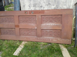 OUTDOOR WOODEN DOOR