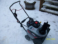 Briggs and Stratton Single stage Snowblower...MINT