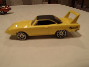 Loose 2 Hot Wheels 1970 Plymouth Superbird 1:64 diecast car.