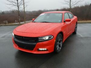 2017 Dodge CHARGER R/T HEMI! 370HP with Safety Tech Pack