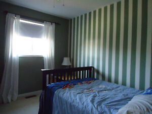 2 clean and quiet rooms for rent in downtown Whitby