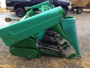John Deere 693 Corn Head