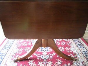 Krug Walnut dining table with two leaves & inserted leaf Kitchener / Waterloo Kitchener Area image 4