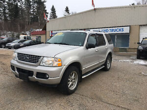 COME MAKE AN OFFER ON THIS BEAST! 2004 Ford Explorer Limited V8