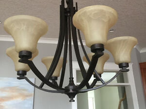 5 light chandelier in excellent condition