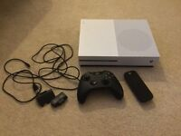 Xbox One S 500gb in white with controller and remote - Like New